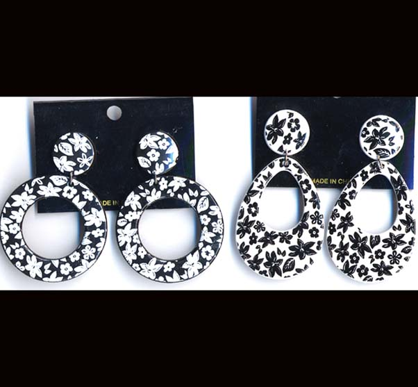 CLIP ON BLK/WHITE EARRING