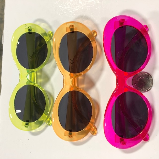 CLOUT STYLE SUNGLASSES IN HOT NEON COLORS, DARK LENS