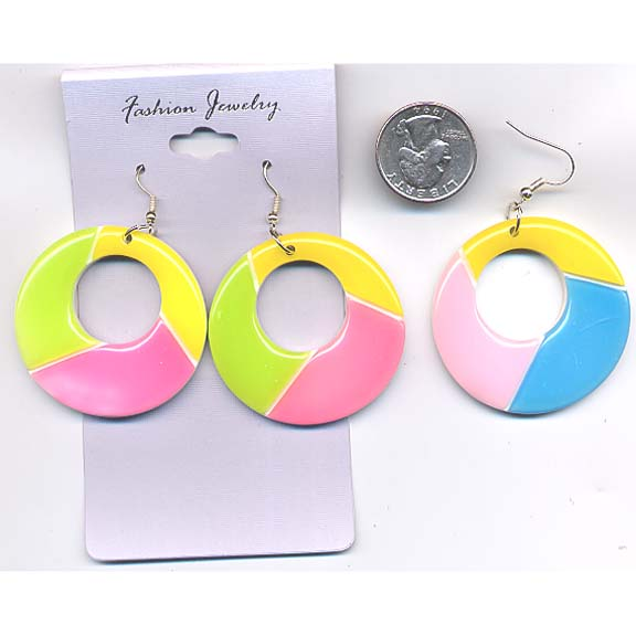 CLASSIC SHAPE EARRING WITH 3 COLOR PATTERN