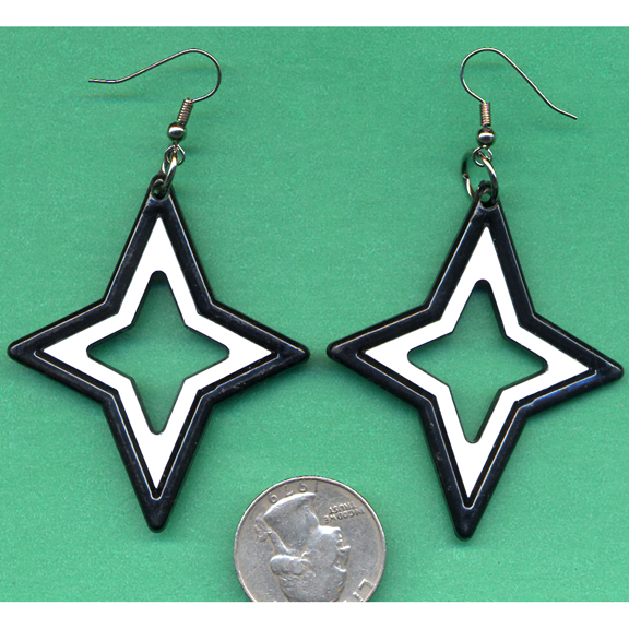 STAR SHAPE EARRINGS BLACK & WHITE MIX