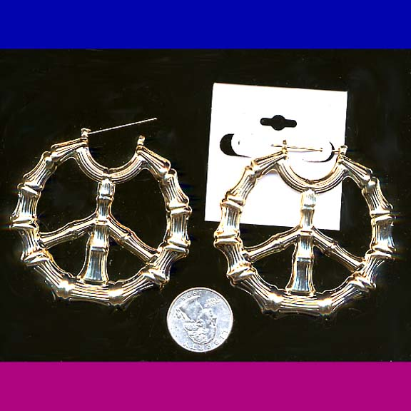 PEACE SIGN EARRING BAMBOO LOOK IN GOLD COLOR