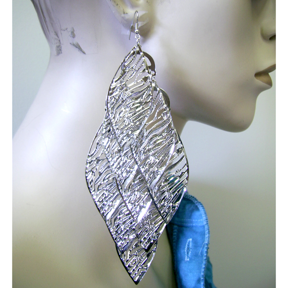 LONG LEAF DANGLING SILVER COLOR EARRINGS