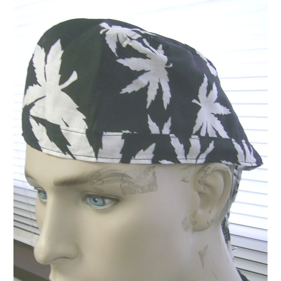 BIKER HEAD WRAP IN BLACK W/ WHITE POT LEAFS