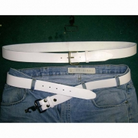70'S WHITE MENS LEATHER BELT  only size small in stock
