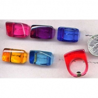 LUCITE ASST COLORS RINGS