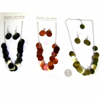 MOD ROUND SHINY PLATELETS NECKLACE & EARRING SET