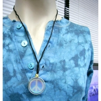 PEACE SIGN HOLOGRAM STYLE NECKLACE,