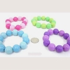 LARGE ROUND BEAD IN 2 SHADES OF THE SAME COLOR STRETCH BRACELET