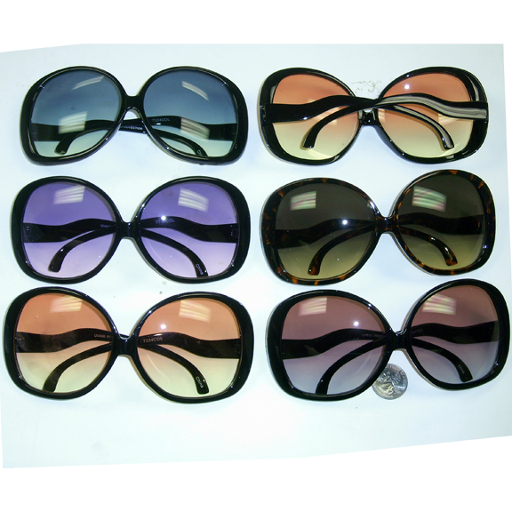LARGE BLACK FRAMES CLASSIC SHAPE WITH OCEAN LENS SUNGLASSES