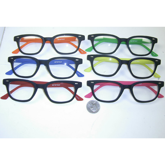 CLEAR LENS, SOFT FEEL FRAMES WITH COLOR ARMS