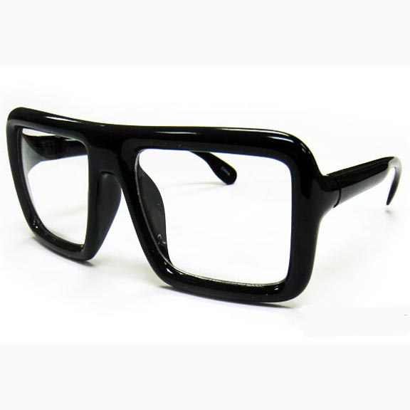 CLEAR LENS, BOLD SHAPE GLASSES, MORE BOXED SHAPE