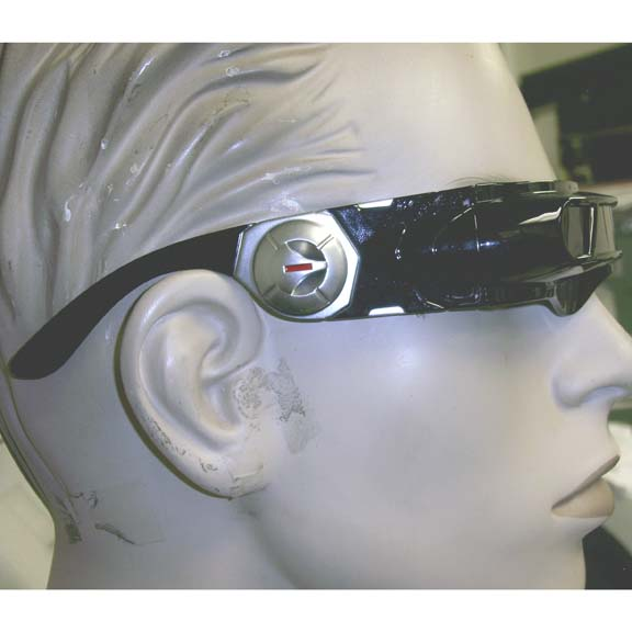 SPACED OUT ROBOT/FUTURISTIC BOLD BLACK/WHITE SUNGLASSES