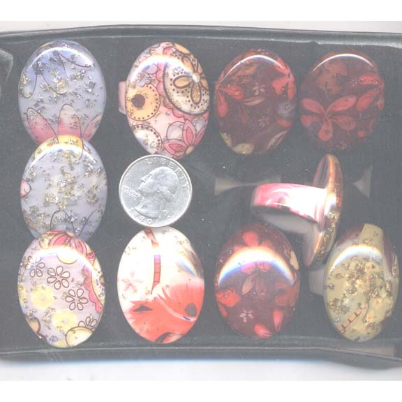 PRETTY OVAL RING HIPPY DESIGNS IN DISPLAY BOX